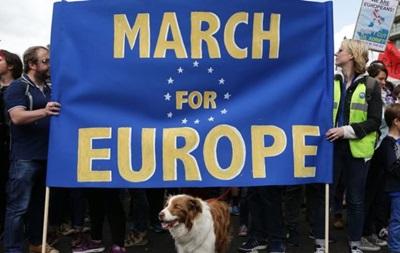 В Лондоне многотысячный марш против Brexit
