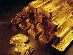 Украинцы бросились скупать золото