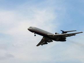В Симферополе самолет с 92 пассажирами совершил аварийную посадку