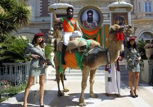 Саша Барон Коэн явился  на Каннский кинофестиваль на верблюде