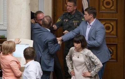 В Раде подрались Пашинский и Власенко