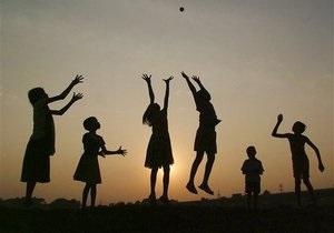 Всемирный день борьбы с детским трудом - 12 июня - Эксплуатация детей - Свыше 10 миллионов детей в мире трудятся в качестве домашних работников - МОТ