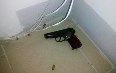 В Ровно мужчина открыл стрельбу по полицейским