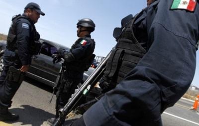 Боевики расстреляли 14 человек в Мексике