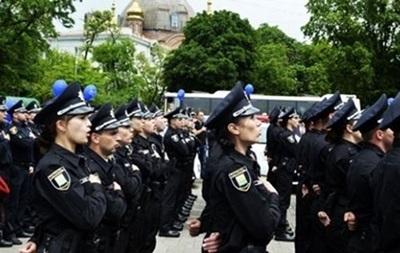 В Ровно жалуются на полицейских, исполняющих гимн
