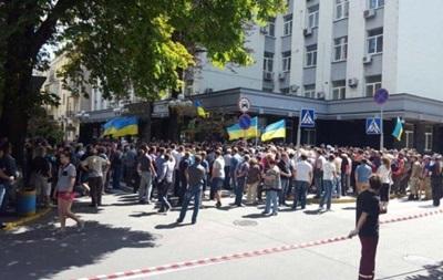 В Киеве митингует группа поддержки мэра Ирпеня