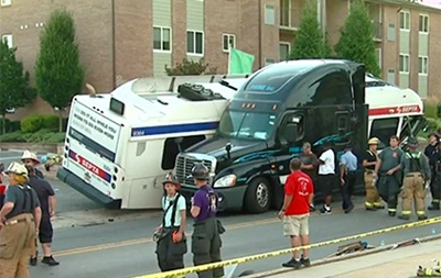 ДТП в Филадельфии: почти 30 пострадавших