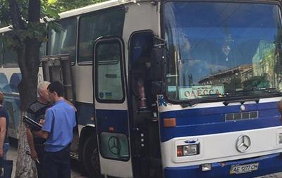 Полиция расследует разбойное нападение на автобус в Днепре