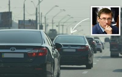 Появилось видео кортежа Луценко на огромной скорости