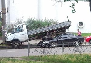 В Киеве Honda Prelude въехала под Газель