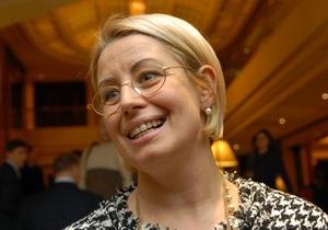 Регионалы празднуют Масленицу: Герман угостила журналистов блинами