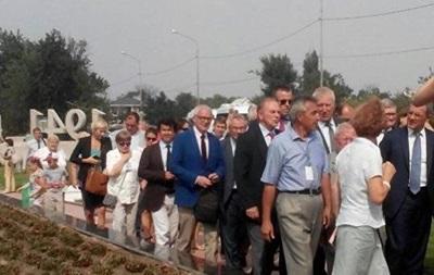 В Крым прилетели французские депутаты