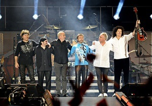 Элтон Джон и группа Queen бесплатно выступят на Майдане Незалежности