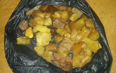 В Чернобыльской зоне полиция поймала копателей янтаря