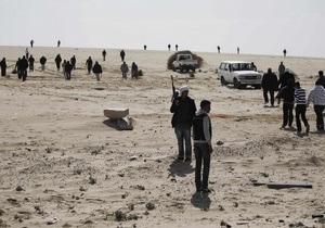 Reuters: Неподалеку от ливийского Рас-Лануфа слышна канонада