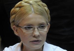 Судья грозится вывести Тимошенко из зала суда