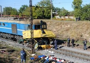 Янукович прибыл на место катастрофы в Днепропетровской области