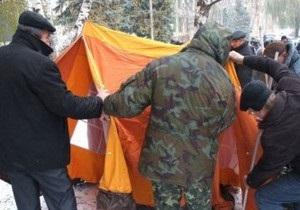 В Донецке 43 чернобыльца шестой день продолжают голодовку возле Пенсионного фонда