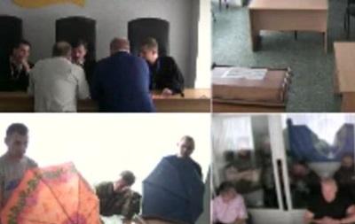 Бойцы  Торнадо  устроили перепалку в суде