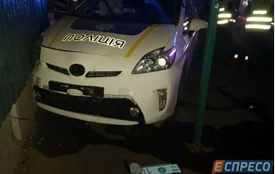 Ночью киевские полицейские устроили ДТП