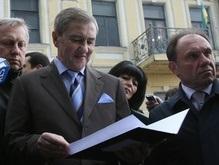 Черновецкий потребовал от Тимошенко немедленно поднять пенсии