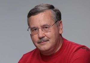 Гриценко заявил, что сложит мандат только вместе с Яценюком