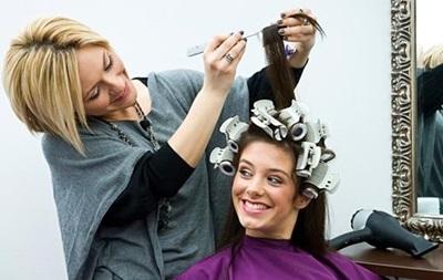Власти готовят налоги для парикмахеров и таксистов