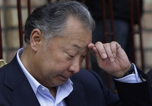 СМИ: Бакиев попросил страны ОДКБ ввести войска в Кыргызстан