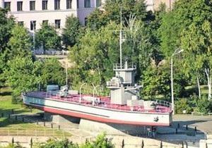 Памятник Монитор Железняков в Киеве перенесут на набережную