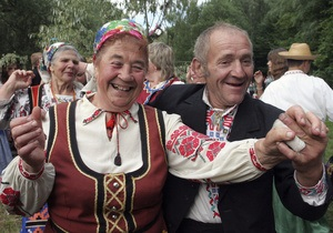 Исследование: Украинцы считают себя умными и работящими, но при этом - высокомерны и жадные