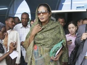 Суданская журналистка отказалась платить штраф в $200 за ношение брюк и отправилась в тюрьму