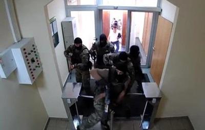Появились видео обысков в Госпогранслужбе