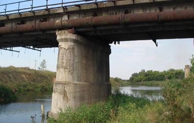 В Славянске под мостом нашли фугасные бомбы