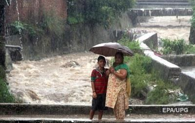Наводнения в Индии унесли жизни 300 человек