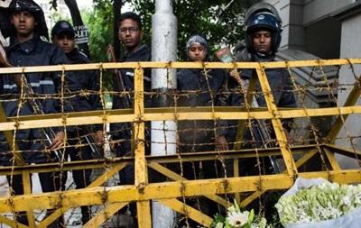 В Бангладеш убит предполагаемый организатор нападения на кафе