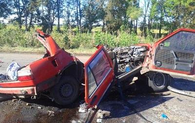 На Харьковщине Fiat столкнулся с автобусом: двое погибших