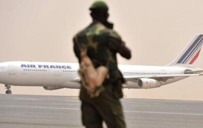 Мышь задержала рейс Air France на двое суток