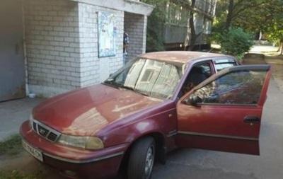 В Киеве в припаркованном авто нашли труп