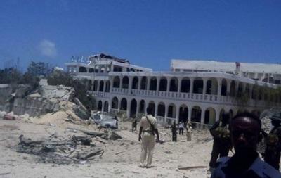 Взрыв у отеля в Сомали: есть погибшие и раненые