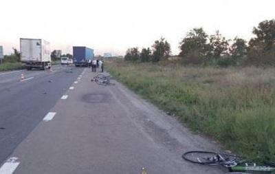 Задержан водитель фуры, сбивший велосипедистов под Киевом