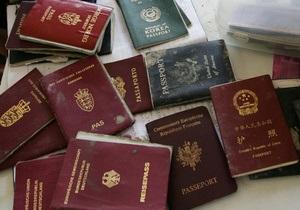 В одесском аэропорту задержали шестерых молдаван с поддельными паспортами