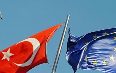 Анкара не откажется от соглашения по беженцам, несмотря на сложности с ЕС