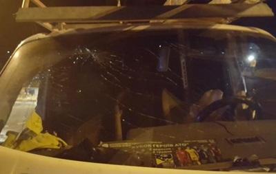 В Киеве грузовик столкнулся с микроавтобусом