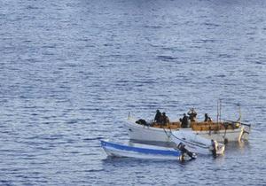 Пираты освободили болгарский танкер с 15 людьми на борту
