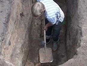Украинские археологи нашли в катакомбах перстень возрастом более 10 веков