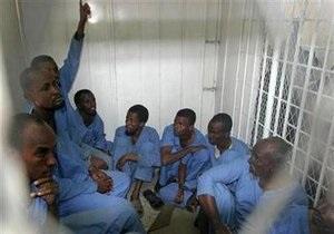 Йеменский суд приговорил сомалийских пиратов к смертной казни