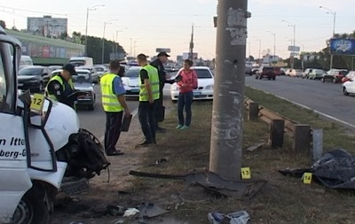 В Киеве убегающий грабитель погиб под колесами авто