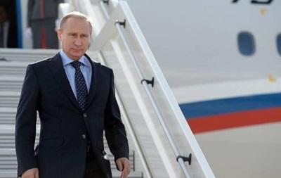 Путин посетил могилу Каримова