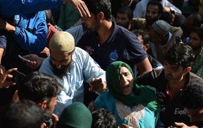 Похороны школьника в Кашмире переросли в акцию протеста
