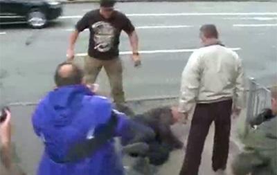 ВКиеве группа неизвестных напала напосольствоРФ вгосударстве Украина